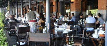 Colombianos califican muy bien a Argentina por la gastronomía
