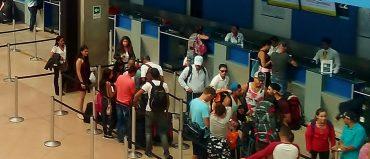¿Por qué algunas aerolíneas cobran hasta 25 mil pesos por imprimir un pasabordo?